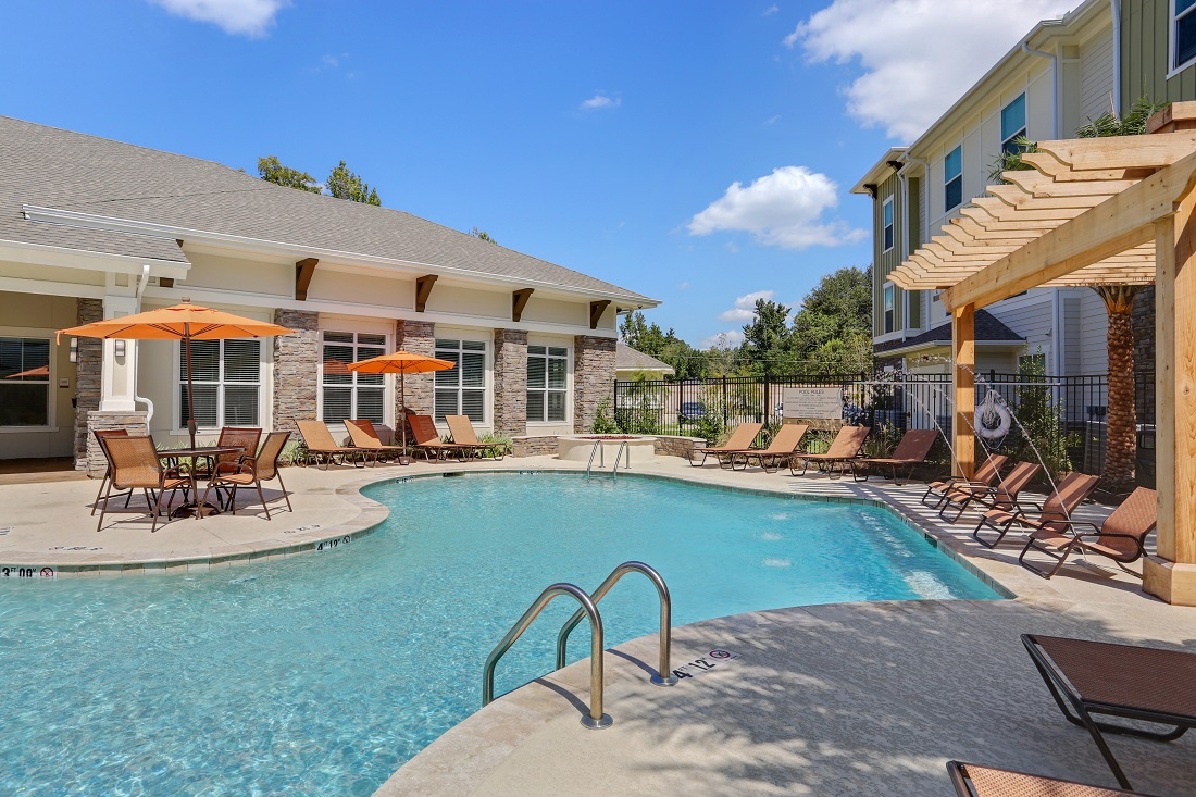 Luxurious Pool Area at Creekside Crossing in Walker, Louisiana