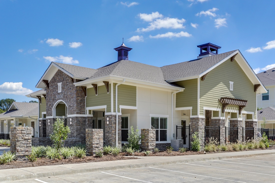 Updated Exterior Finishes at Creekside Crossing in Walker, Louisiana