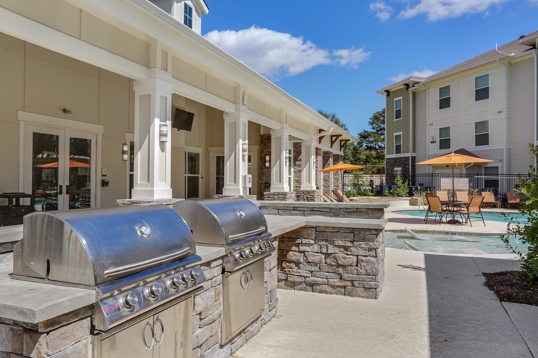 Outdoor Grilling Stations at Creekside Crossing in Walker, Louisiana