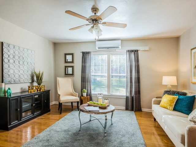 Spacious Floor Plans at Crestwood Place Apartments in Fort Worth, TX