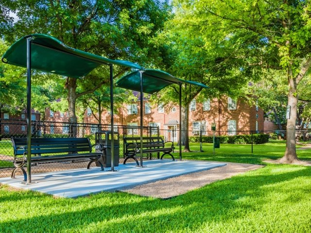 Outdoor Benches at Crestwood Place Apartments in Fort Worth, TX