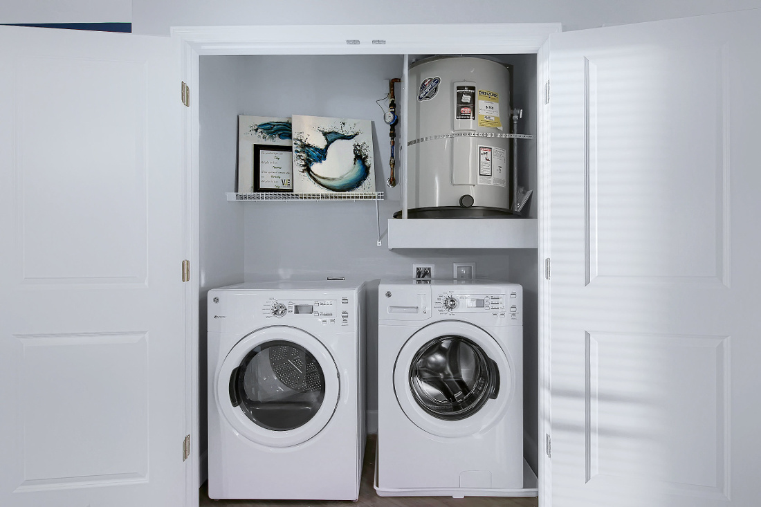A3 Unit Laundry Room at the Vue at Creve Coeur Apartments in Creve Coeur, MO