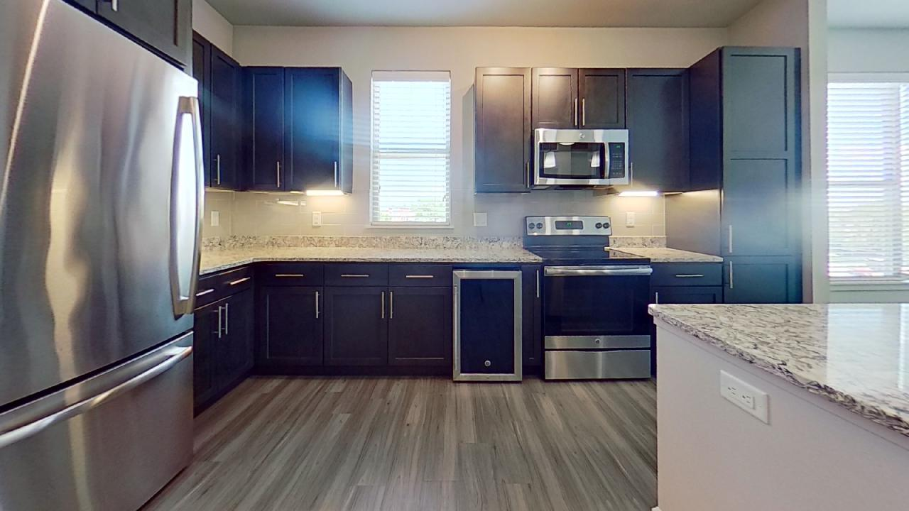 A4 Kitchen at the Vue at Creve Coeur Apartments in Creve Coeur, MO