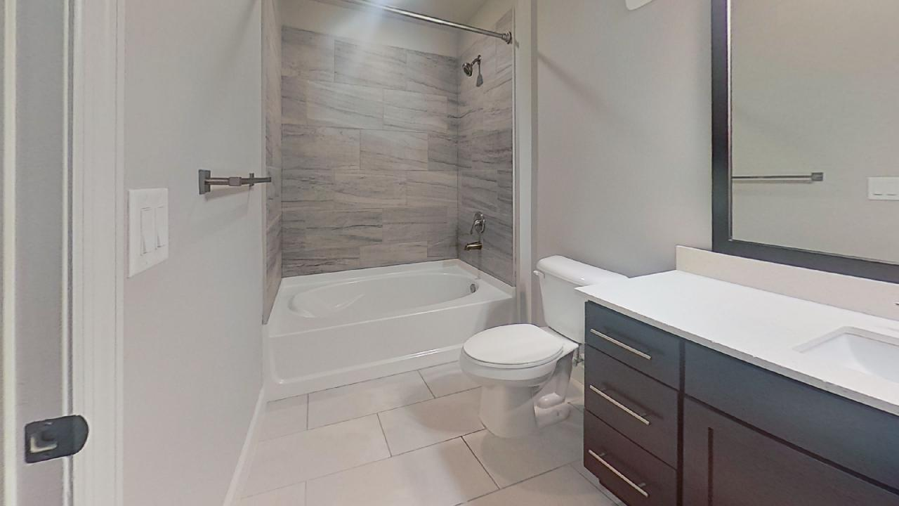 B3 Shower and Tub at the Vue at Creve Coeur Apartments in Creve Coeur, MO