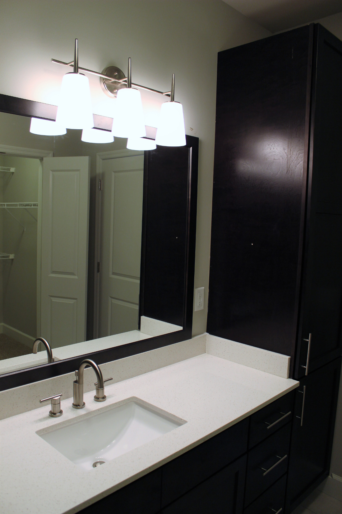 B2 Bathroom at the Vue at Creve Coeur Apartments in Creve Coeur, MO