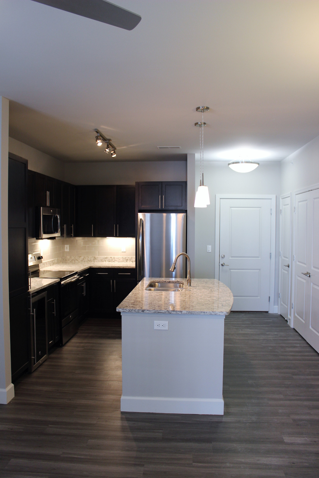 A1 Kitchen at the Vue at Creve Coeur Apartments in Creve Coeur, MO
