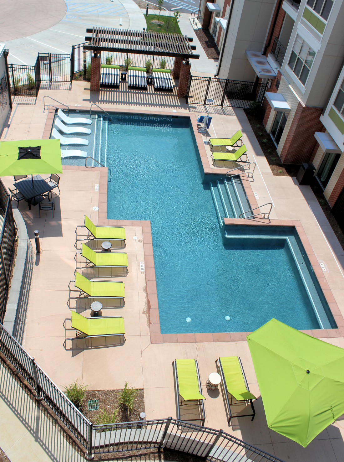 Swimming Pool at the Vue at Creve Coeur Apartments in Creve Coeur, MO