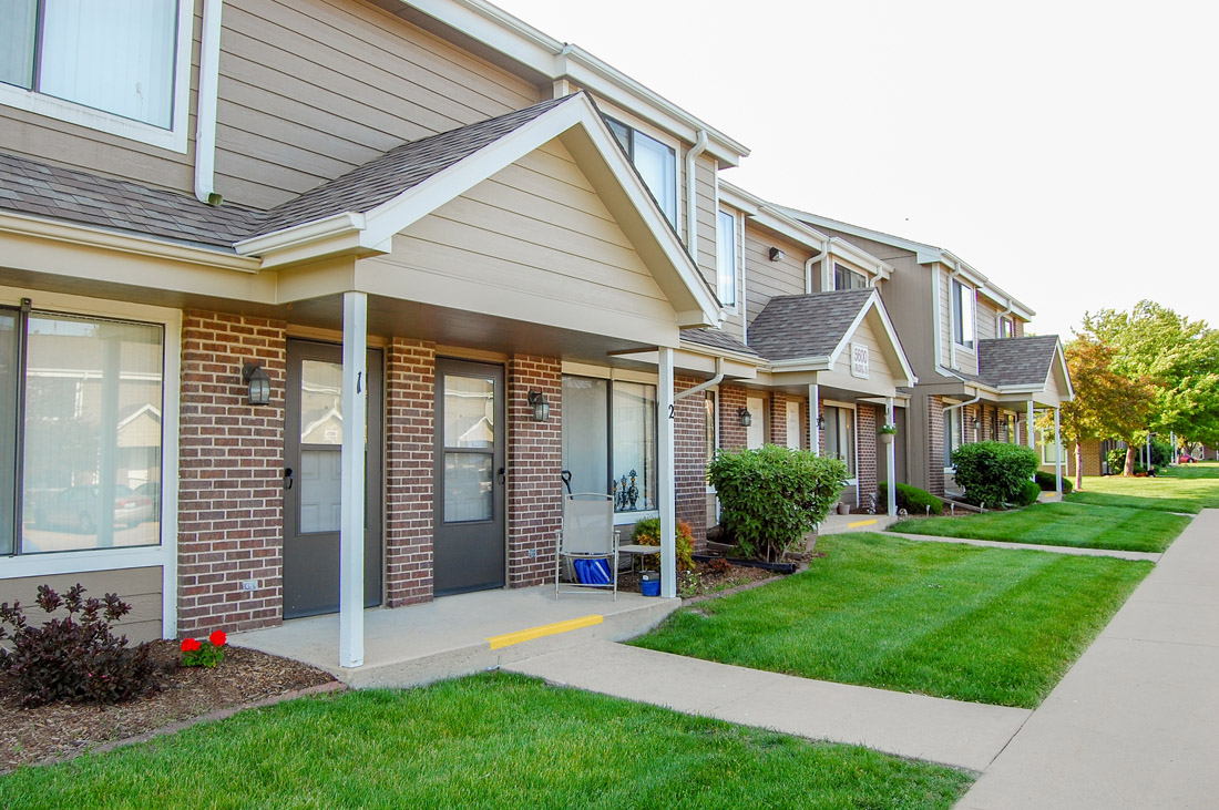 Affordable Apartments for Rent at Crystal Ridge Apartments in Davenport, IA
