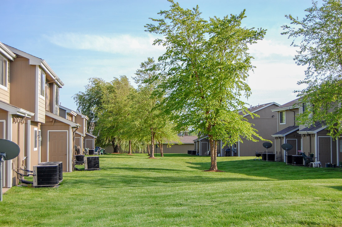 Apartments for Rent in Davenport at Crystal Ridge Apartments in Davenport, IA