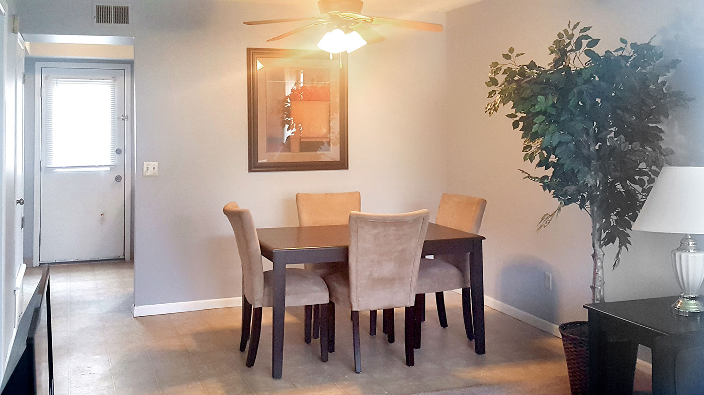 Dining Area at Crystal Ridge Apartments in Davenport, IA.