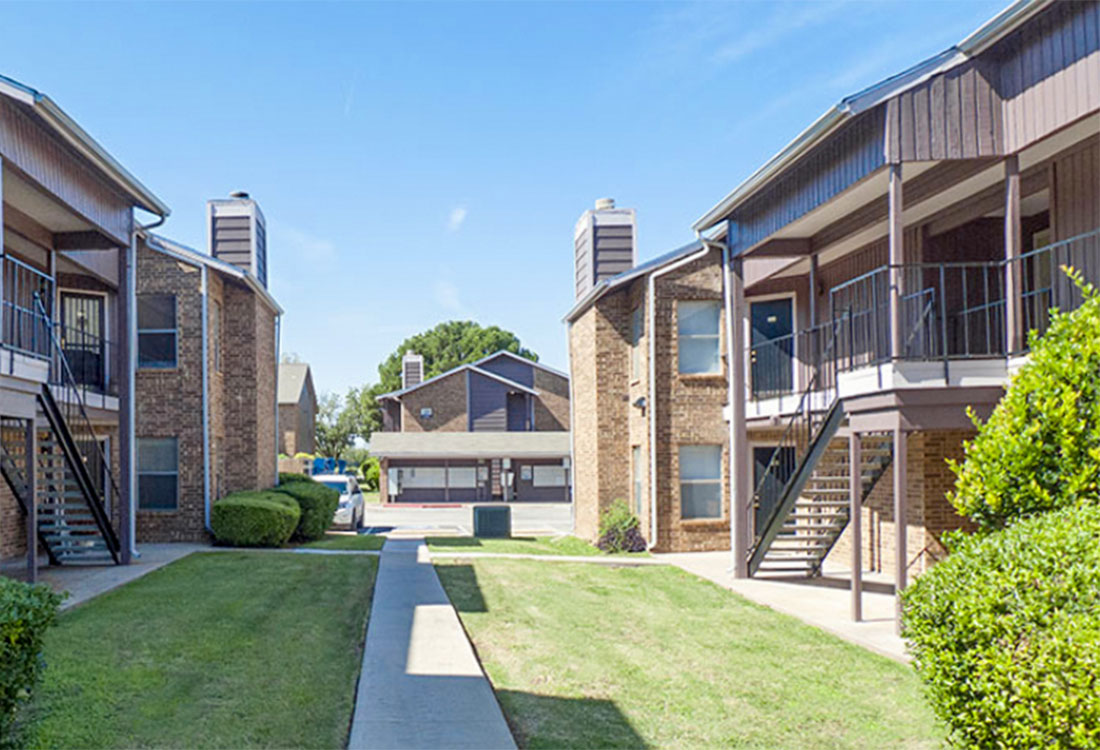 Abilene Apartments with Walking Trails at Curry Junction Apartments in Abilene, Texas