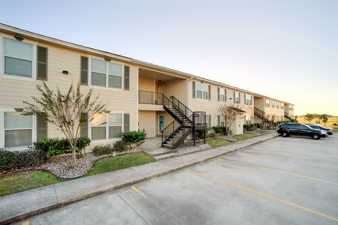 2-Bedroom Apartments for Lease at Cypress Bend Apartments in Beaumont, TX