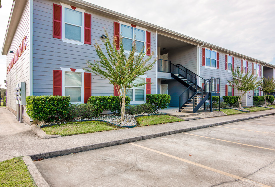 1 & 2 Bedroom Apartments for Rent with Lot Parking at Cypress Bend Apartments in West Beaumont, TX