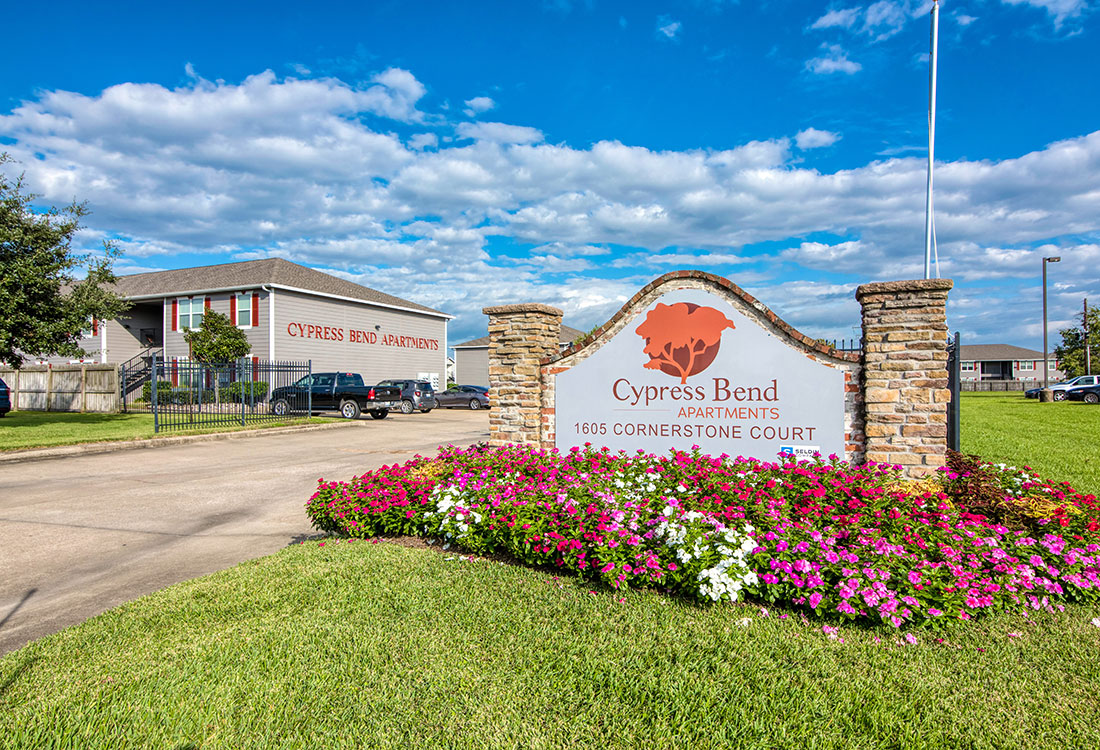 1 & 2 Bedroom Apartments for Rent at Cypress Bend Apartments in West Beaumont, TX