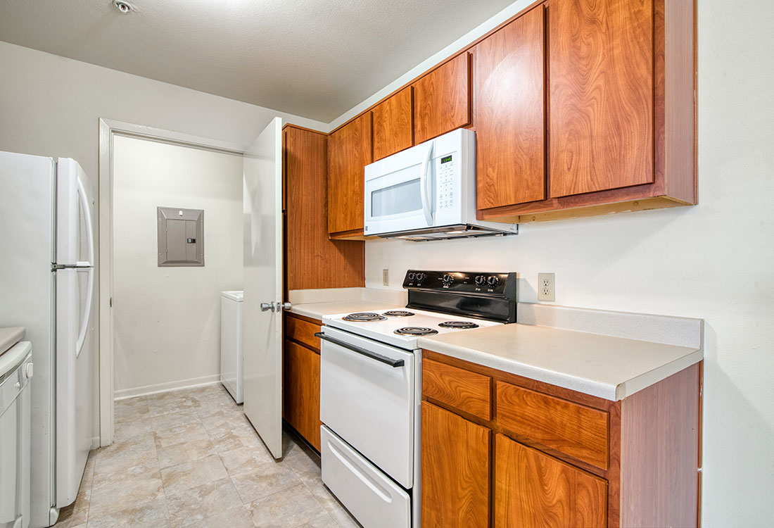 Apartments for Rent with Spacious Kitchens at Cypress Bend Apartments in West Beaumont, TX
