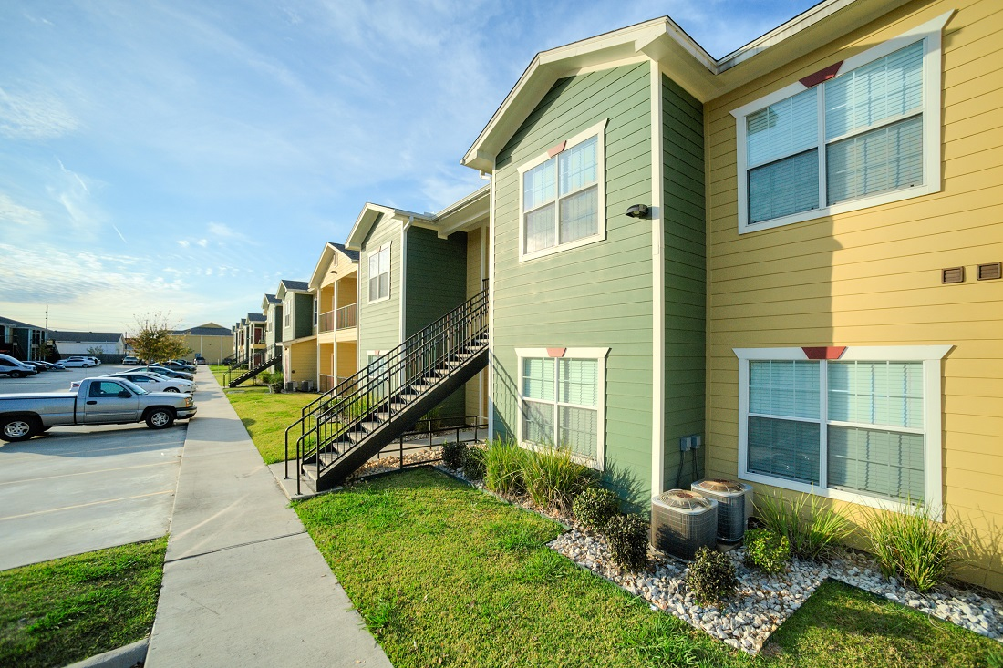 Apartments for Lease at Cypress Bend Village Apartments in Beaumont, TX