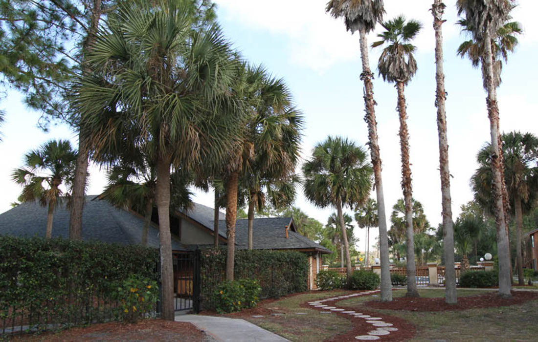 Exterior View at Cypress Trail Apartments in New Port Richey, FL