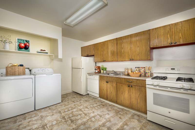 Washer & dryer available in townhomes at Deerfield Run & Village Square North Apartments
