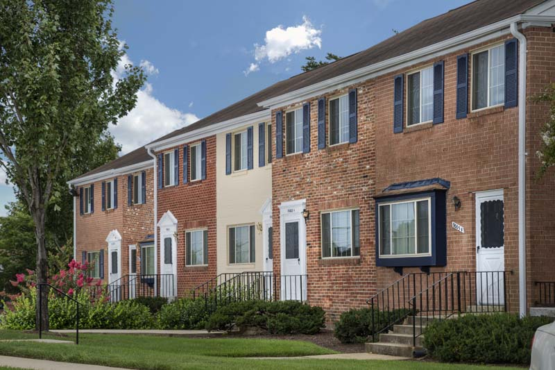 Two-level townhomes at Deerfield Run & Village Square North Apartments in Laurel, MD