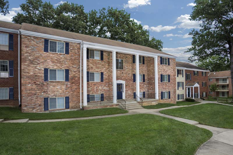 1, 2, and 3-bedroom apartments at Deerfield Run & Village Square North Apartments in Laurel, MD