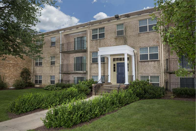 1, 2 and 3-bedroom apartments at Deerfield Run & Village Square North Apartments in Laurel, MD