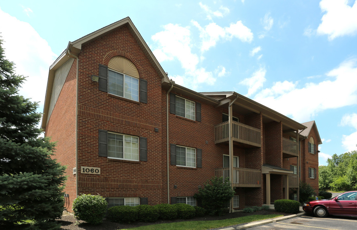 Loveland Apartment Rentals at Deer Ridge Apartments in Loveland, Ohio