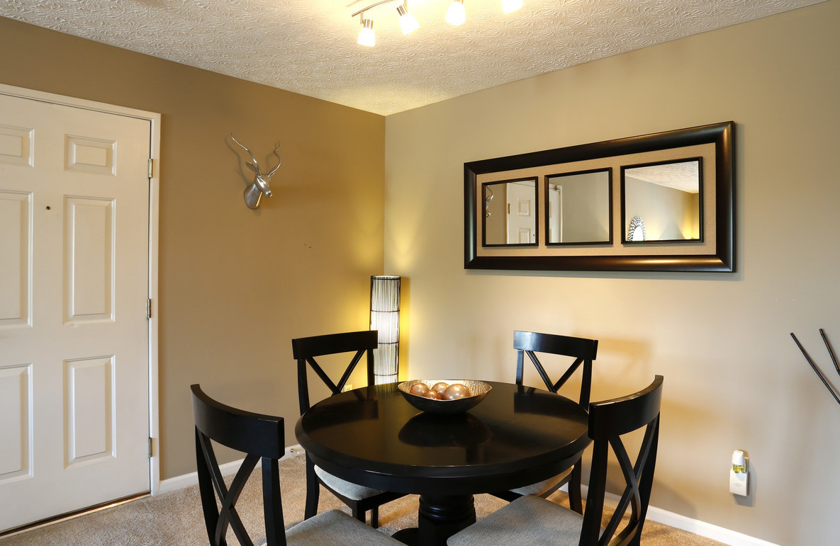 Separate Dining Area at Deer Ridge Apartments in Loveland, Ohio