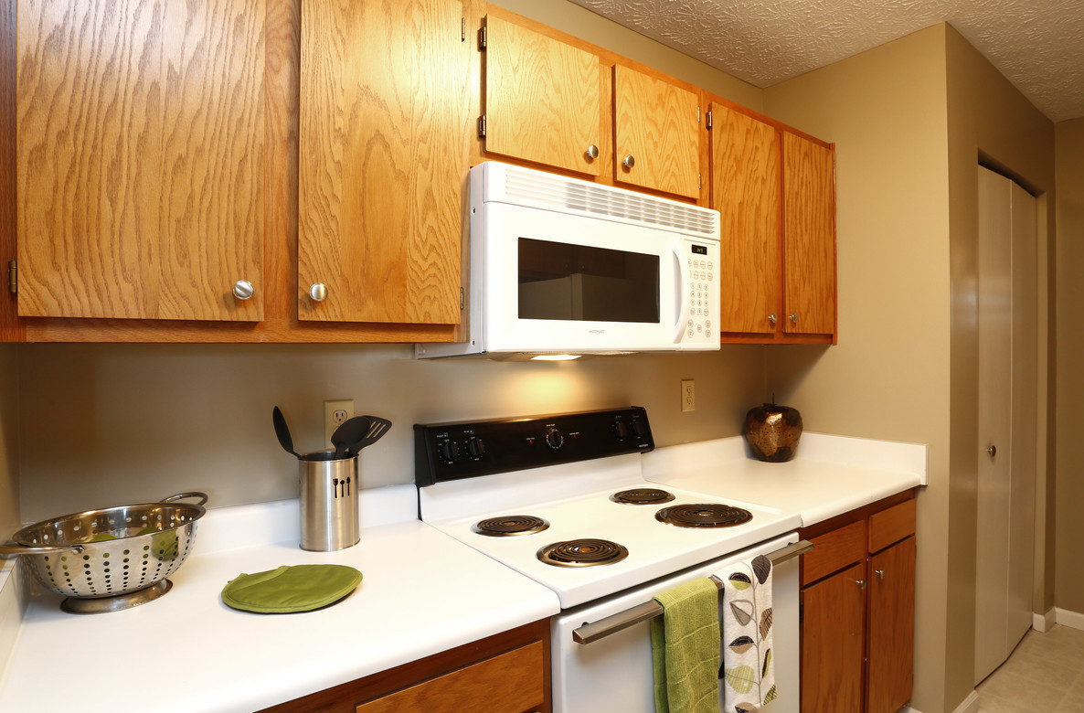 Built-In Microwave at Deer Ridge Apartments in Loveland, Ohio