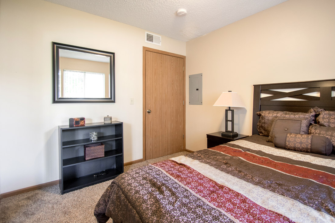 Apartment Rentals at Delaware Crossing Apartments in Ankeny, Iowa