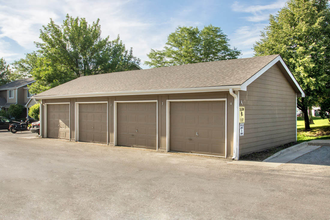 Garages Available at Delaware Crossing Apartments in Ankeny, Iowa