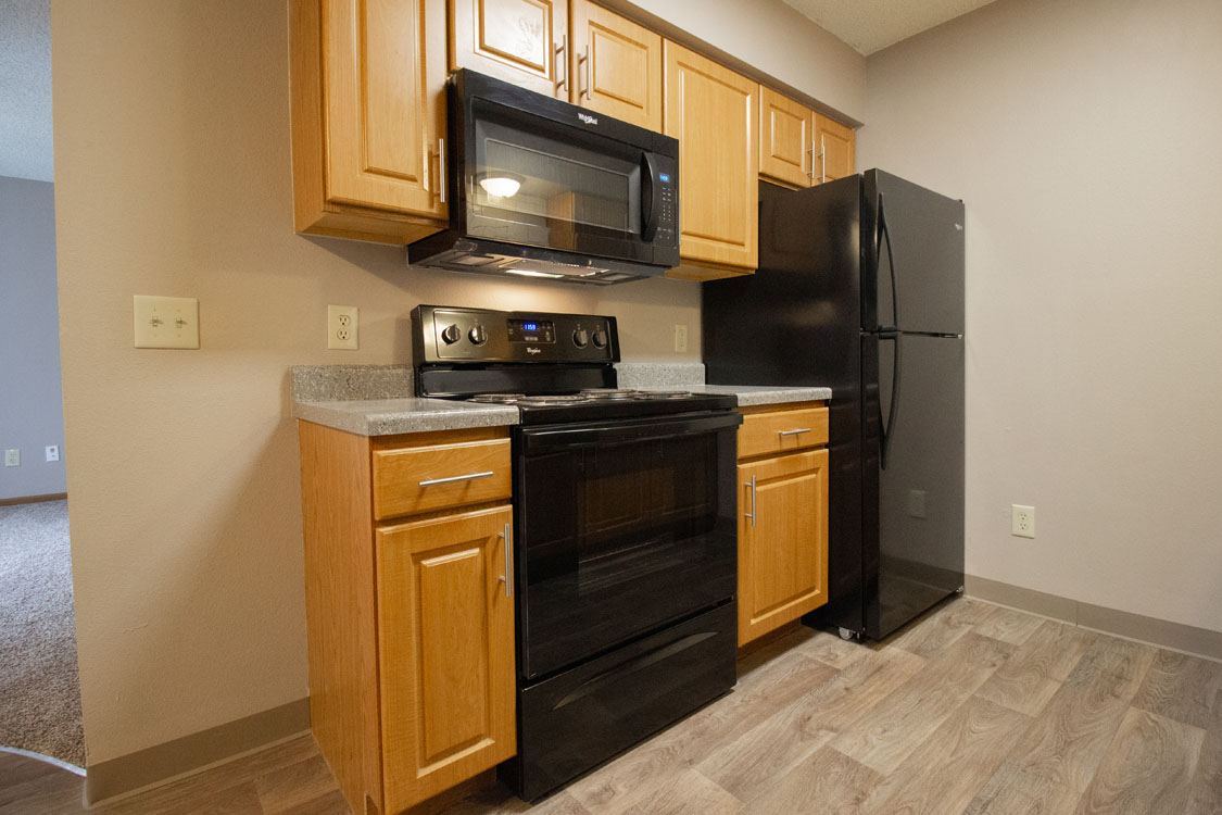 All Black Appliances at Delaware Crossing Apartments in Ankeny, Iowa