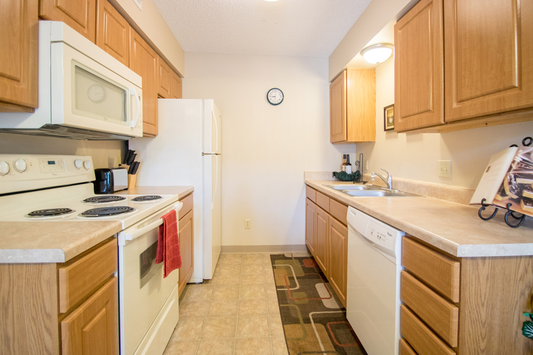 Contemporary Appliances at Delaware Crossing Apartments in Ankeny, Iowa