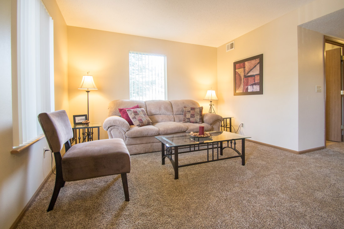 Stylish Apartments at Delaware Crossing Apartments in Ankeny, Iowa