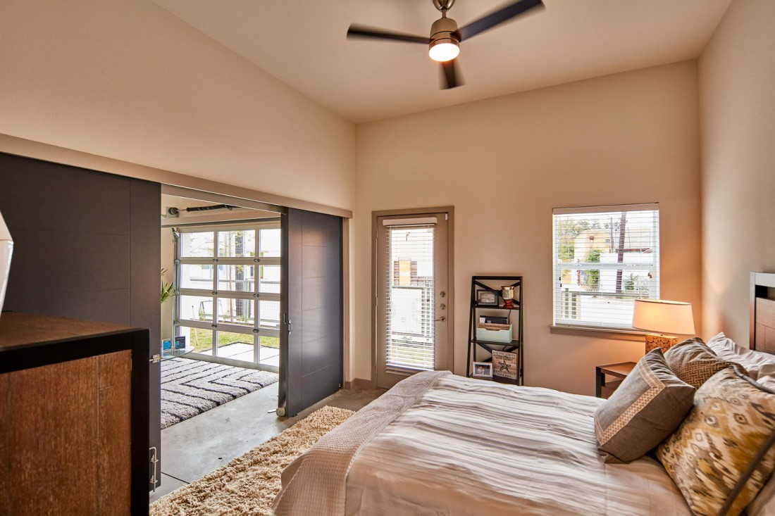 One & Two Bedroom Luxury Apartment Homes At Digit 1919 Apartments In Dallas, TX