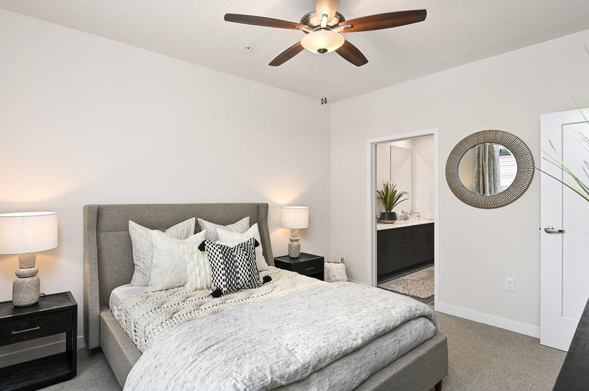 One Bedroom Apartments at The District Flats Apartments in Lenexa, KS