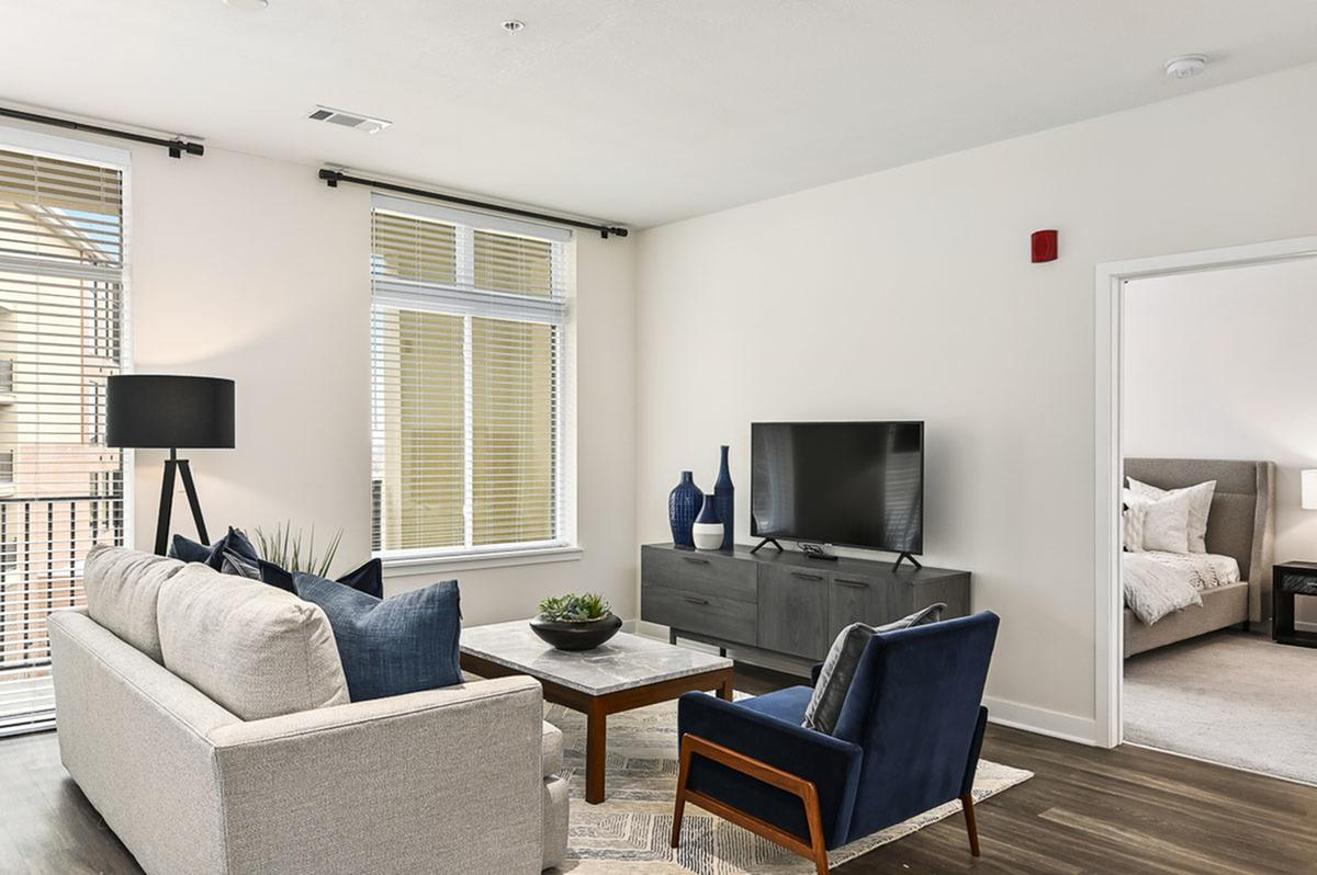 Spacious Floor Plans at The District Flats Apartments in Lenexa, KS