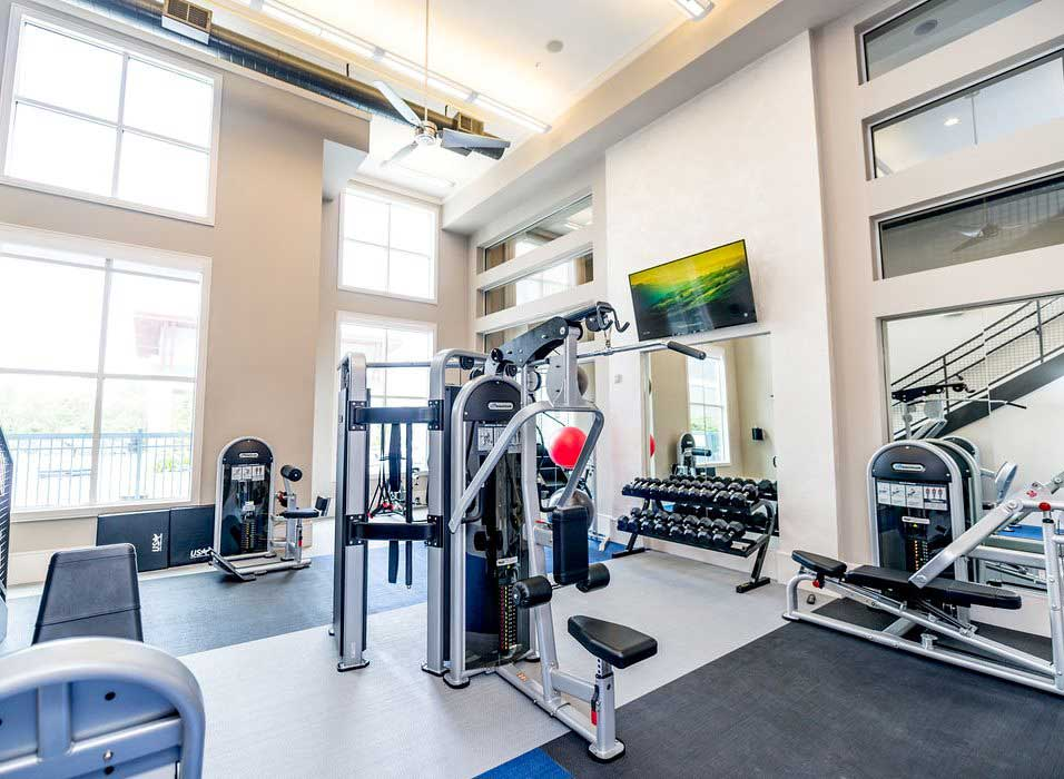 Weight Equipment at Dolce Midtown Apartments in Houston, Texas