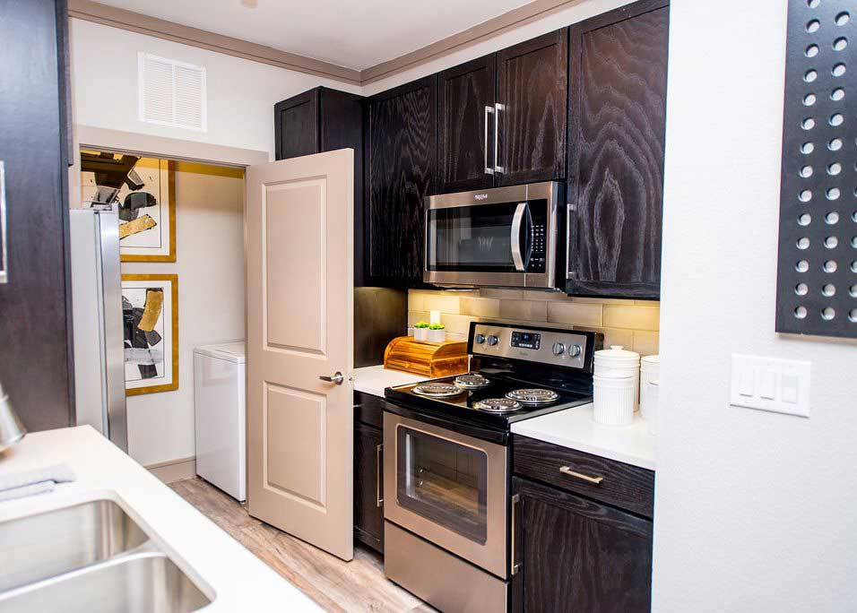 Designer Appliances at Dolce Midtown Apartments in Houston, Texas