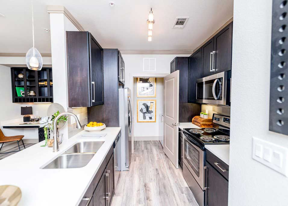 Modern Kitchen at Dolce Midtown Apartments in Houston, Texas
