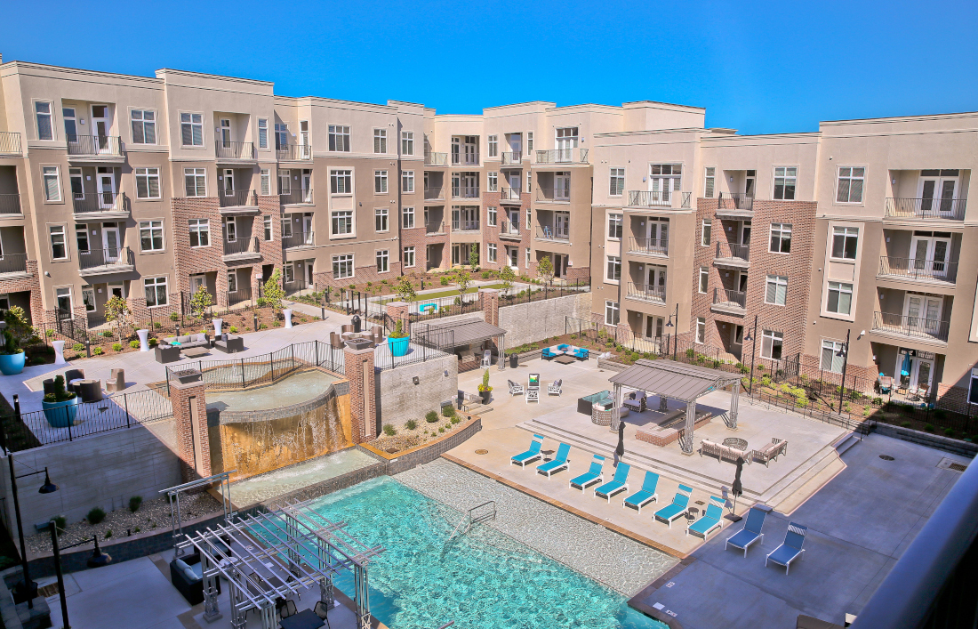 Sparkling Pool at Domain City Center Luxury Apartments in Lenexa, Kansas