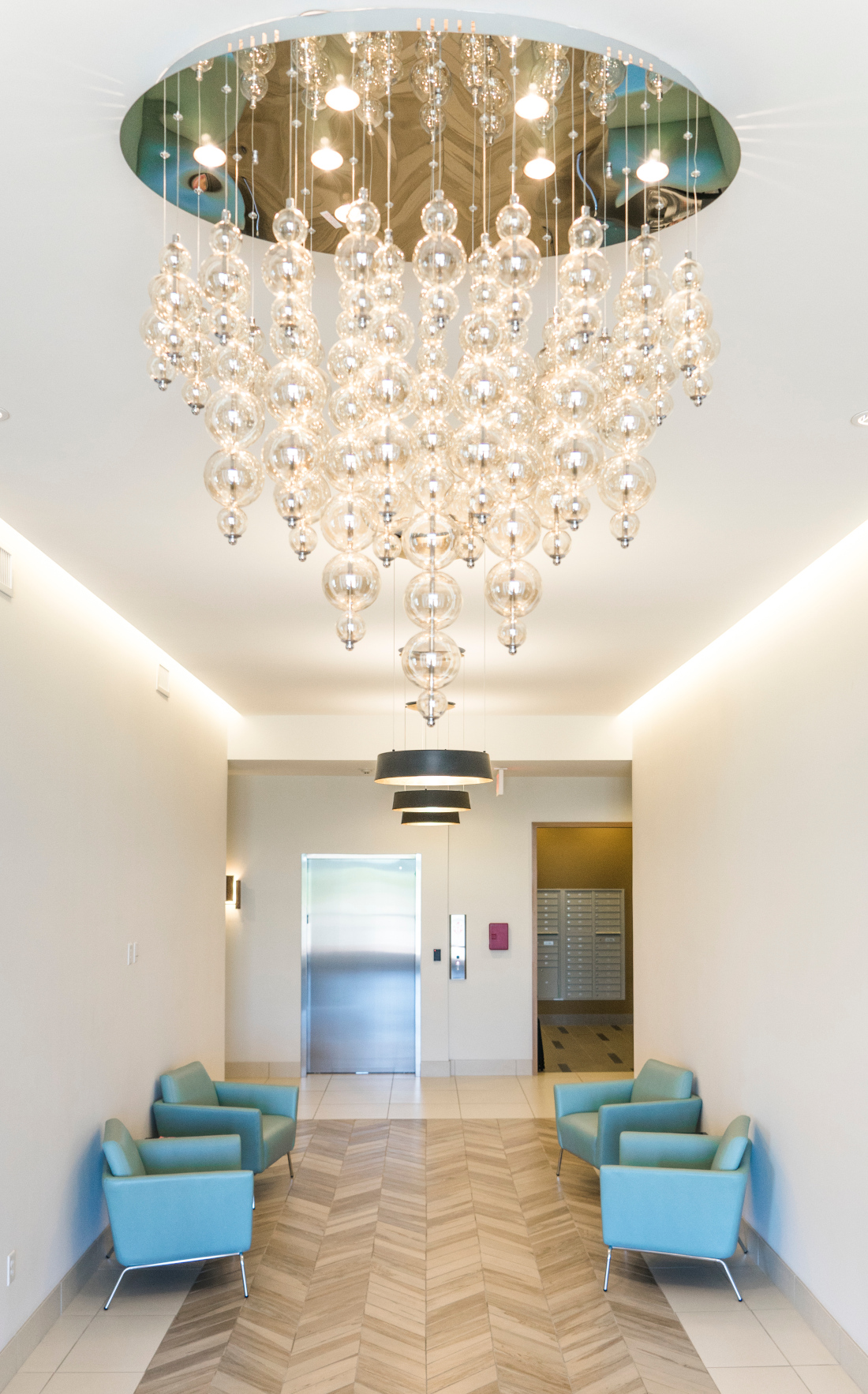 Gorgeous Chandelier at Domain City Center Luxury Apartments in Lenexa, Kansas
