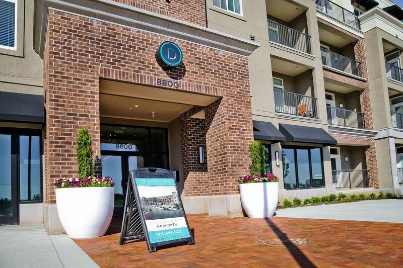 Modern and Stylish Apartments at Domain City Center Luxury Apartments in Lenexa, Kansas