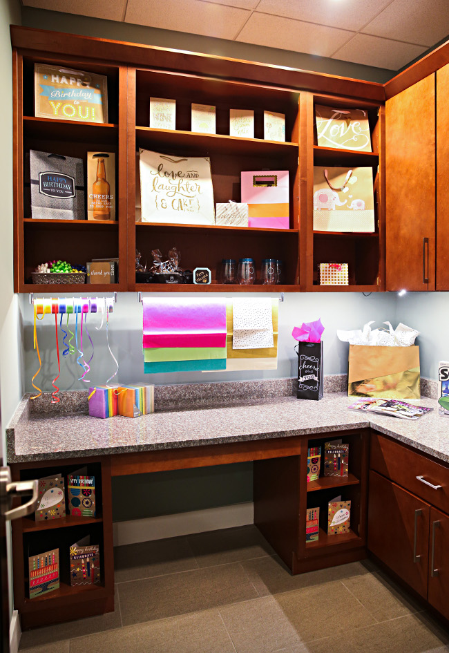 Complimentary Wrapping Station at Domain City Center Luxury Apartments in Lenexa, Kansas