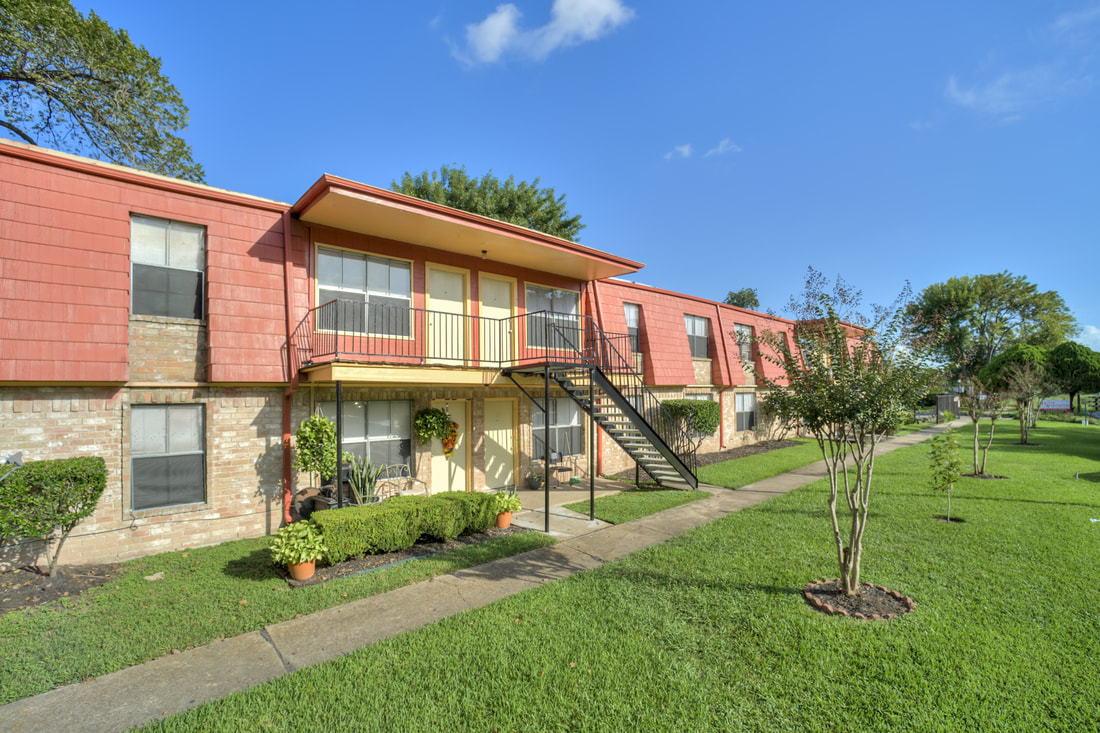 Houston Apartment Rentals at Dover Place Apartments in Houston, Texas