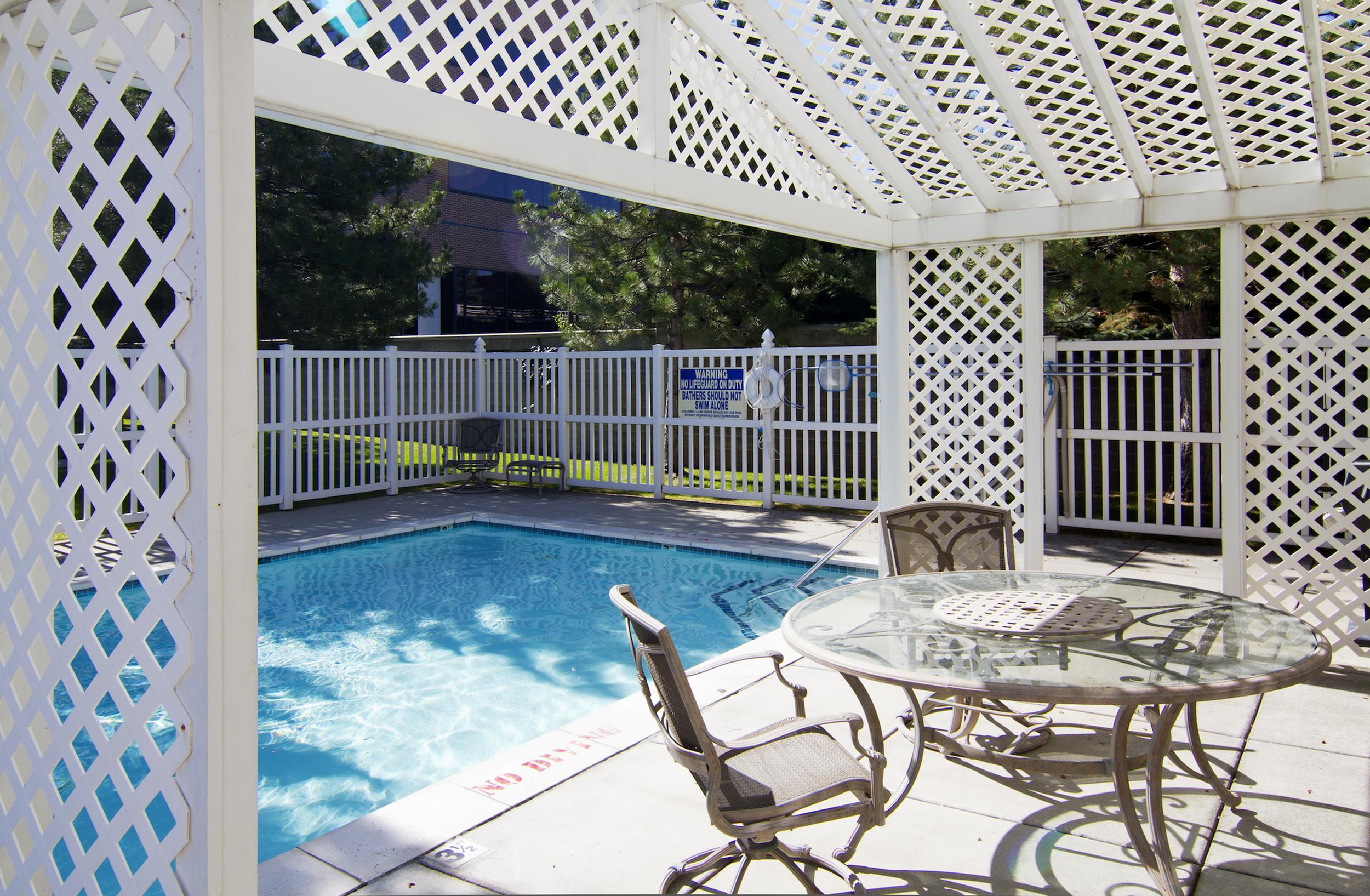 Sparkling Pool at Edgewood Apartments in Cottonwood Heights, UT