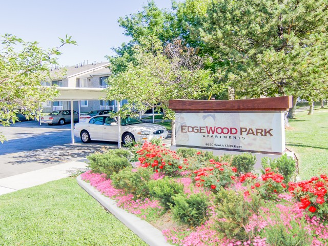 Welcome Signage at Edgewood Apartments in Cottonwood Heights, UT