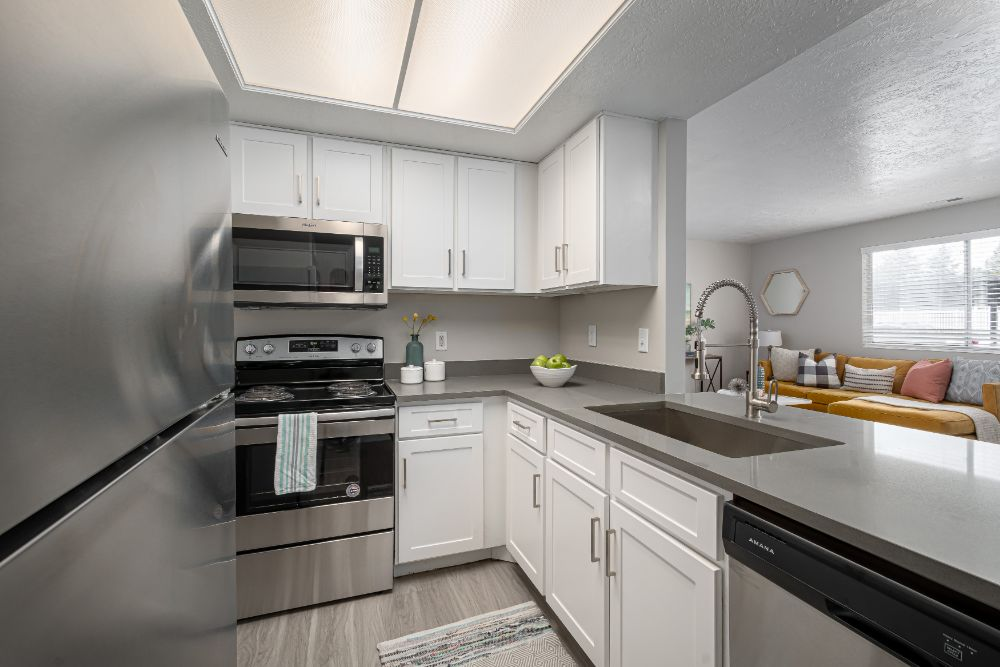 Stainless Steel Appliances at Edgewood Park Apartments