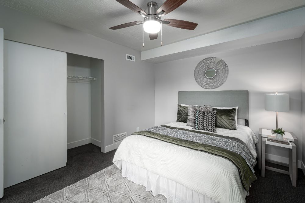 Remodeled Bedrooms with Large Closets at Edgewood Park Apartments