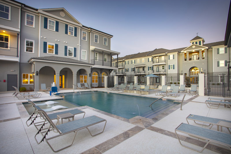 Pool and Hot Tub at Elan at Terra Bella Apartments in Covington, Louisiana
