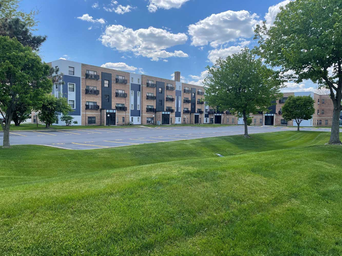 Package Receiving Available at Elmhurst Terrace Apartments in Elmhurst, Illinois